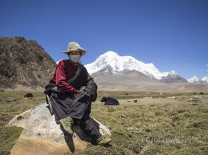 DORGE, YAK HERDER, CHAWA VALLEY, CHUMOKANGKAR MOUNTAIN, CENTRAL TIBET
