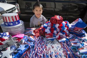 STREET ENTREPRENEUR, FOURTH OF JULY, SAN FRANCISCO, CALIFORNIA