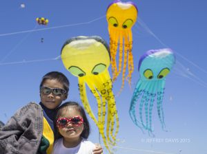 SIBLINGS, BERKELEY KITE FESTIVAL, CALIFORNIA