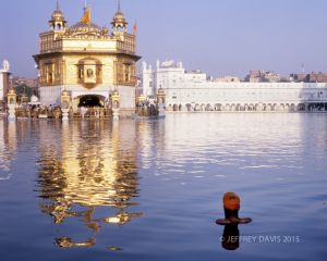 PILGRIM BATHING, GOLDEN TEMPLE, AMRITSAR, INDIA