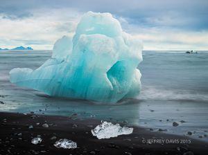 BLUE BERG, GLACIER LAGOON, ICELAND