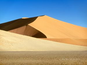 SHADOW AND LIGHT, SOSSUSVLEI, NAMIBIA