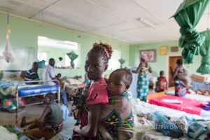 CHILDREN'S WARD, CHITOKOLOKI MISSION HOSPITAL, ZAMBIA